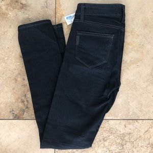 NWT Paige Skyline Skinny Jeans